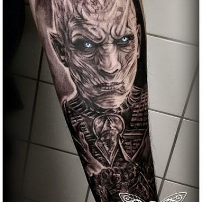 Vienna-Ink-Lines_individuelle_Tattoo_Designs_auf_hoechsten-künstlerischen_Niveau10