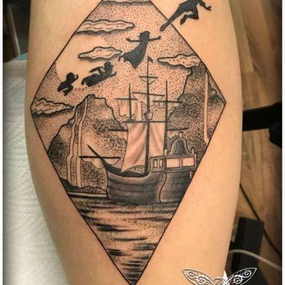 Vienna-Ink-Lines_individuelle_Tattoo_Designs_auf_hoechsten-künstlerischen_Niveau_peter