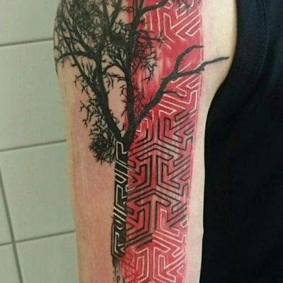 Viola_-Vienna-Ink-Lines-Tattoo-Studio-Wien