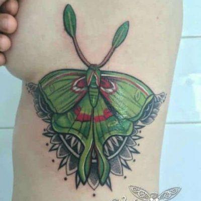 Viola_Vienna-Ink-Lines-Tattoo-Studio-Wien-_6