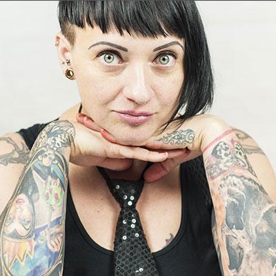 viola_vienna-ink-lines_best-tattoo-studio